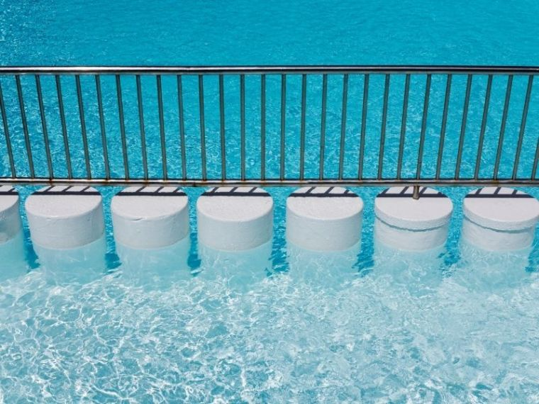 pool with aluminum fence barricade | Werribee Fencing Pros